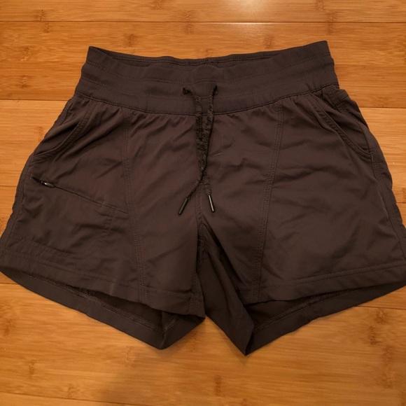 128d98c7c73 ... women s Aphrodite 2.0 shorts. M 5a9ca2323b16082e55a3a9dc
